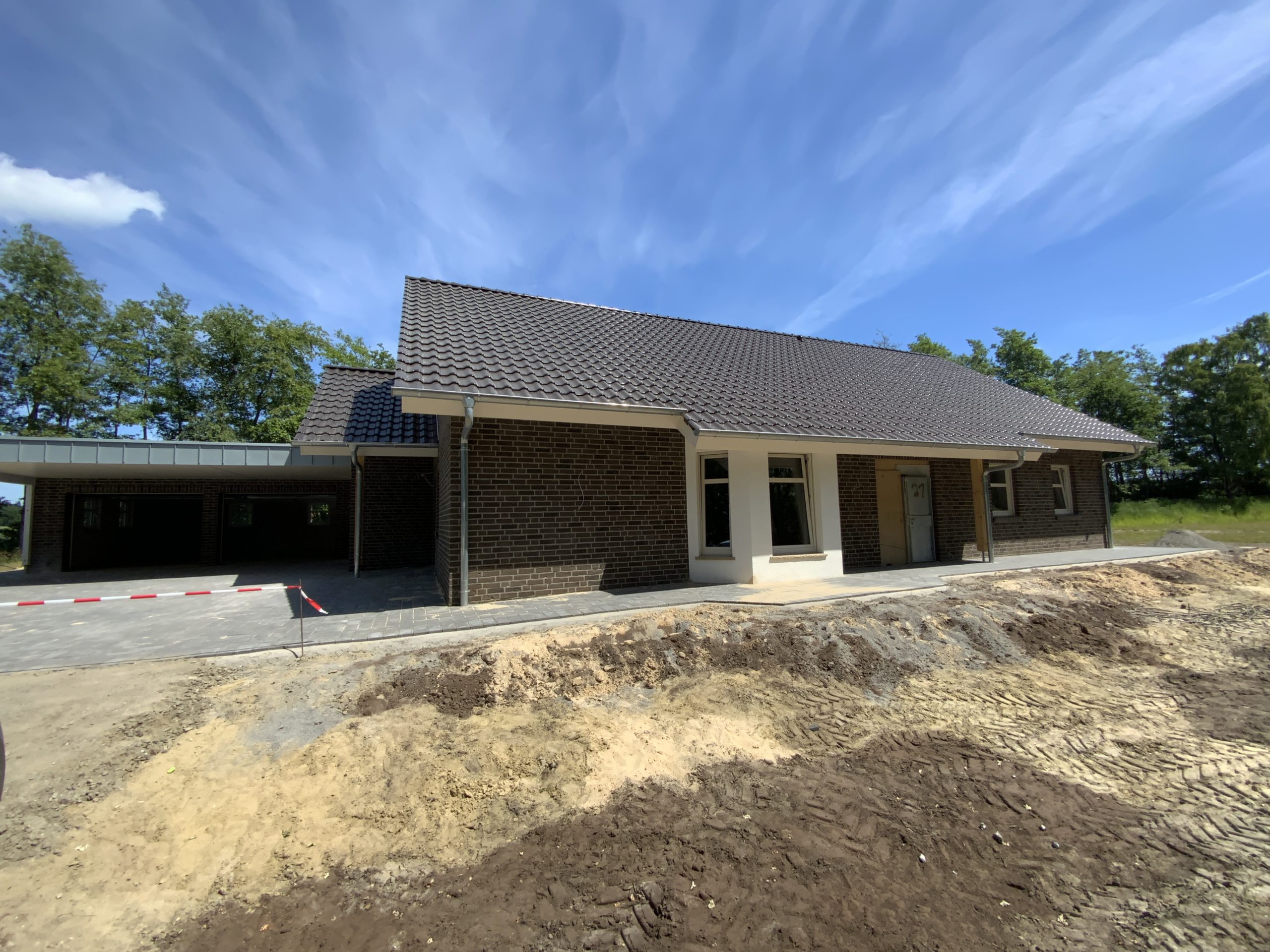 Read more about the article Bungalow mit Garage in Berge